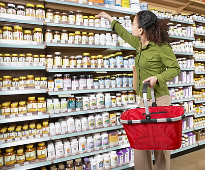 Woman-African-American-shopping-for-supplements