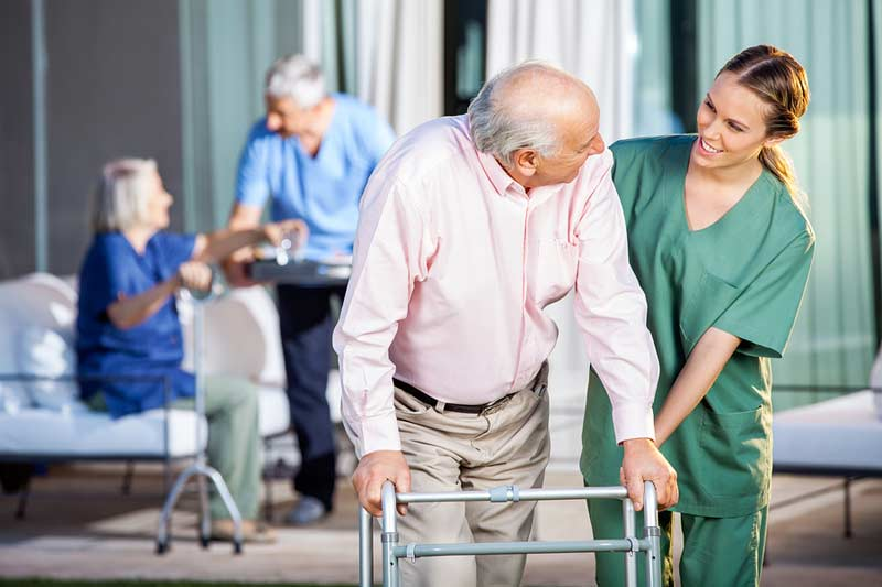5 Things to Look for in Elderly Day Care